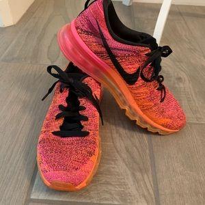 Women's Nike Flyknit Max